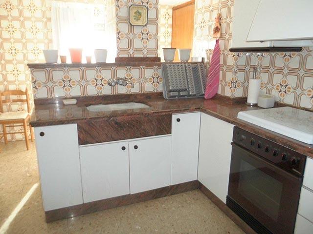 Encantador piso en venta con trastero en Santa Rosa-cocina 2