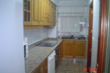 Encantador piso muy soleado y con ventanales climalit en Santa Rosa-cocina