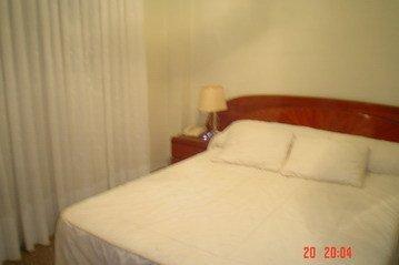 Encantador piso muy soleado y con ventanales climalit en Santa Rosa-habitacion