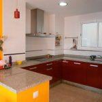 Espaciosa vivienda en la zona de Ensanche-cocina