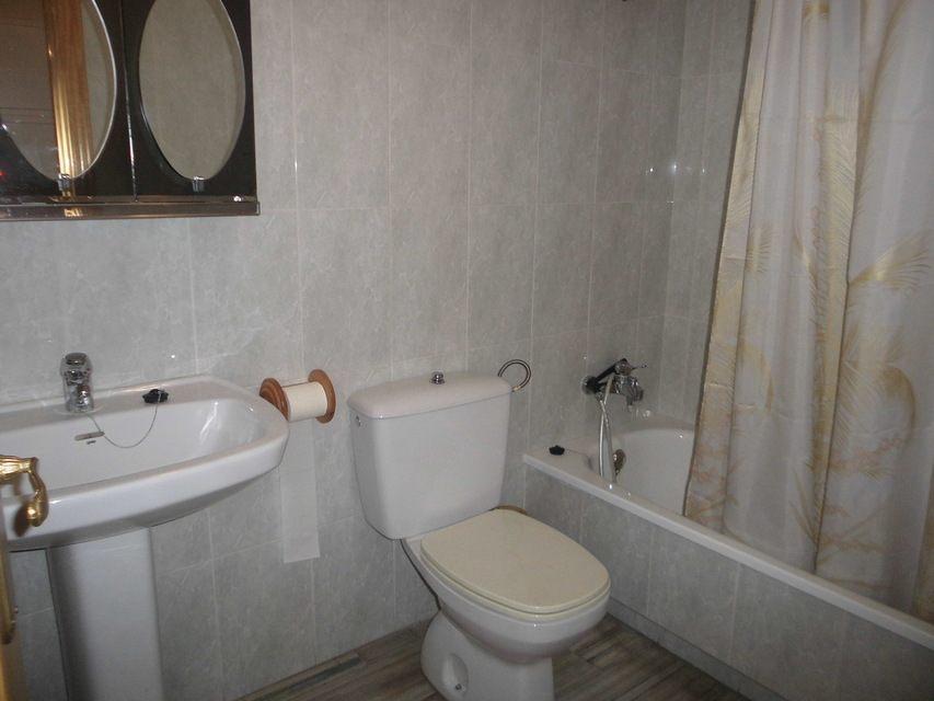 Espacioso piso en Ensanche-banyo 3