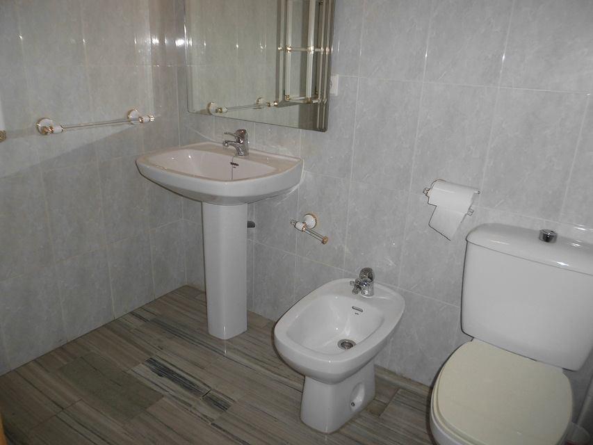 Espacioso piso en Ensanche-banyo 5