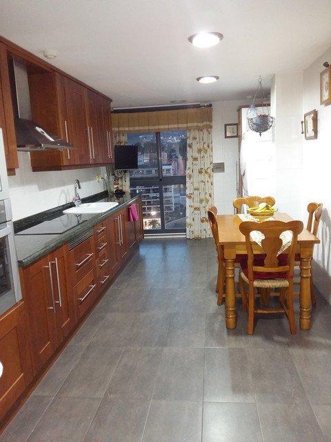 Espacioso piso en venta con vistas en zona Centro-cocina 2