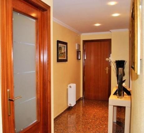 Espectacular piso en venta con calefacción en Santa Rosa-pasillo 2