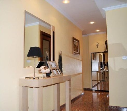 Espectacular piso en venta con calefacción en Santa Rosa-pasillo