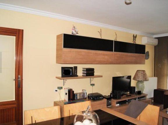 Espectacular piso en venta con calefacción en Santa Rosa-salon 2