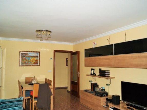 Espectacular piso en venta con calefacción en Santa Rosa-salon 3