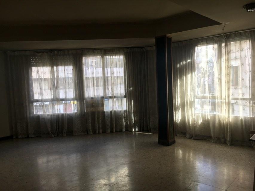 Estupendo ático en la zona de Ensanche-salon 2
