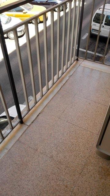 Fabuloso piso en venta con doble plaza de garaje en Santa Rosa-balcon