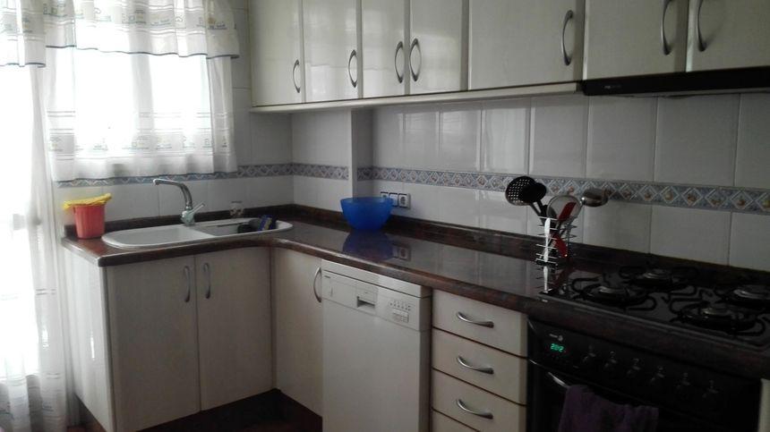 Fabuloso piso en venta con doble plaza de garaje en Santa Rosa-cocina