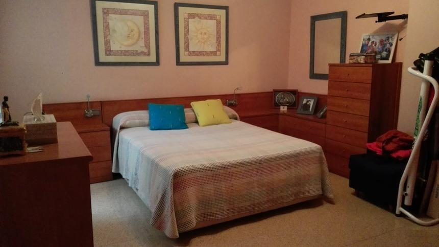 Fabuloso piso en venta con doble plaza de garaje en Santa Rosa-habitacion