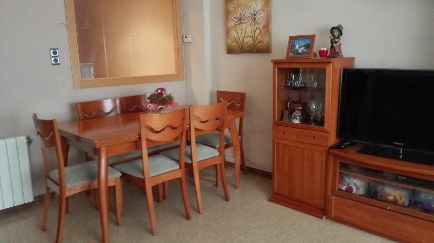 Fabuloso piso en venta con doble plaza de garaje en Santa Rosa-salon 2