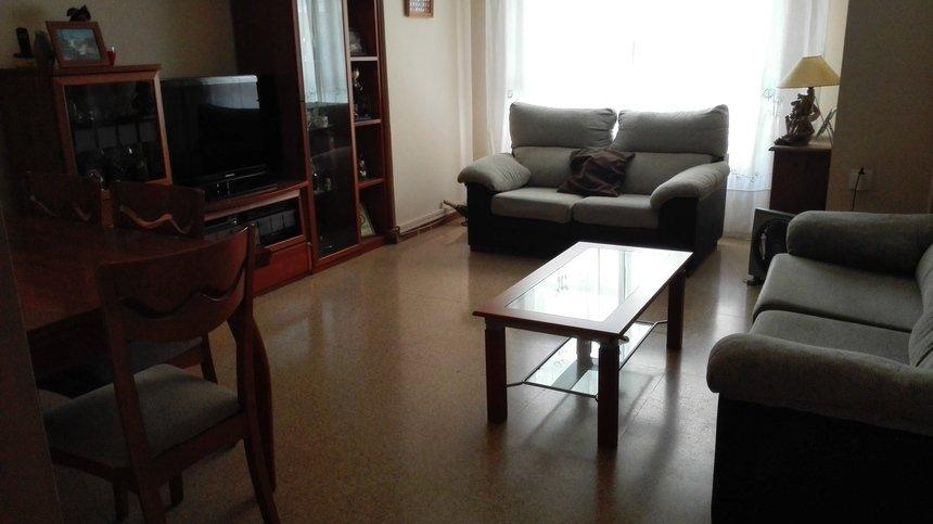 Fabuloso piso en venta con doble plaza de garaje en Santa Rosa-salon