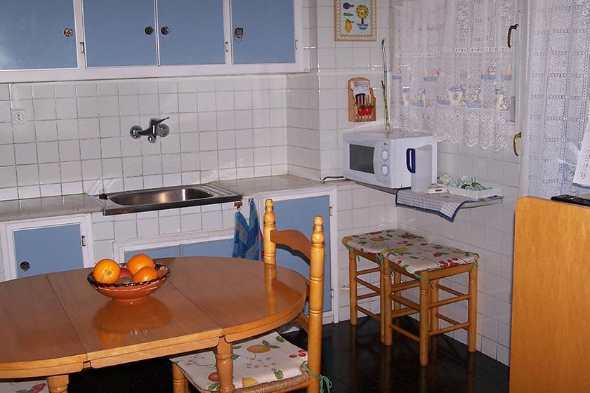 Gran vivienda con agradables vistas en Ensanche-cocina 2