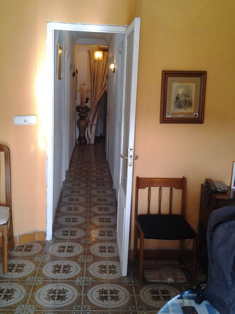 Gran vivienda para reformar en Ensanche-pasillo
