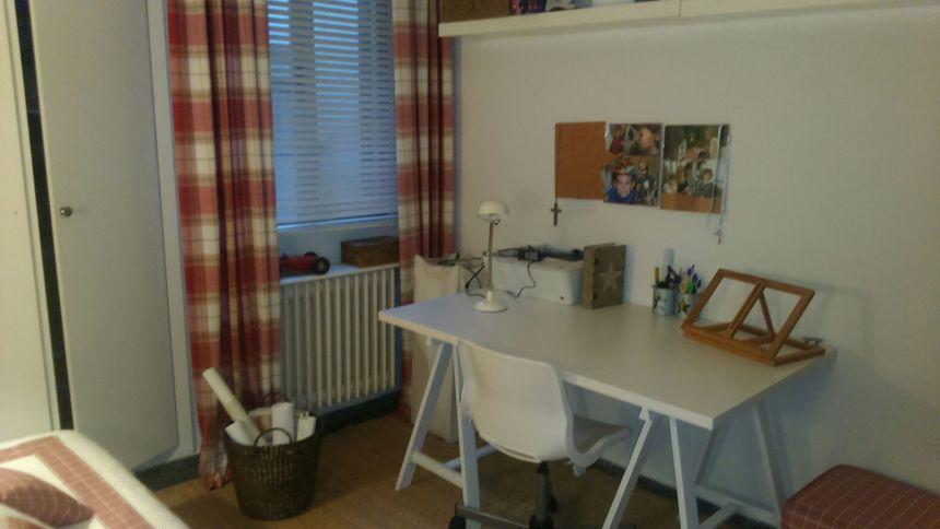 Hogar ya amueblado y reformado en Ensanche-despacho