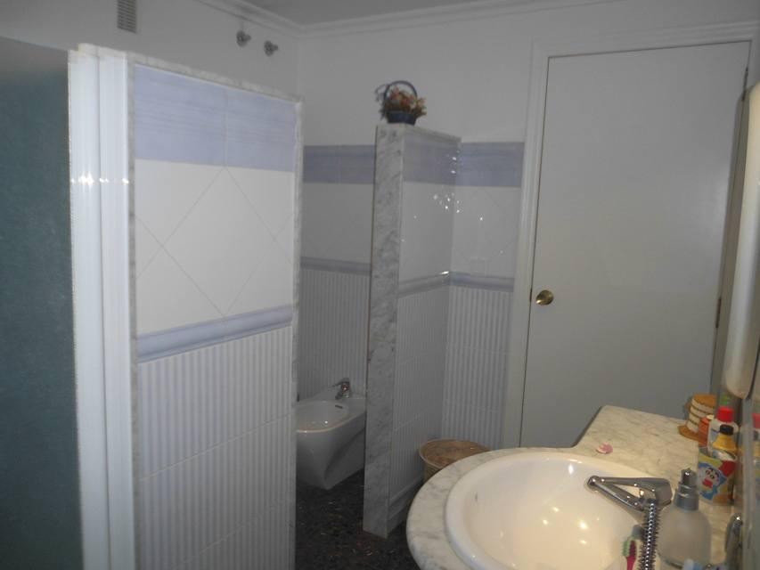 Increíble piso en venta con calefacción de gasóleo en zona Centro-banyo 3