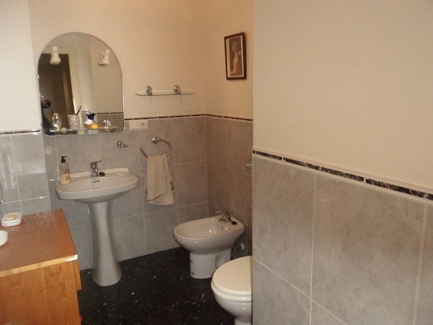 Increíble piso en venta con calefacción de gasóleo en zona Centro-banyo 4