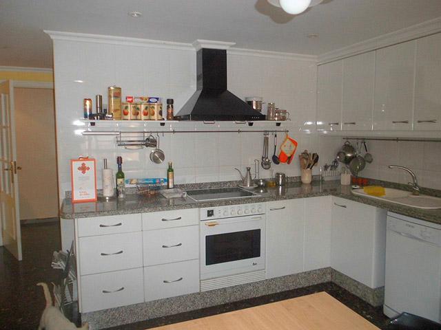 Increíble piso en venta con calefacción de gasóleo en zona Centro-cocina 2