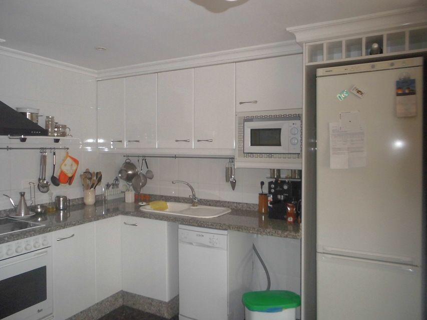 Increíble piso en venta con calefacción de gasóleo en zona Centro-cocina 4