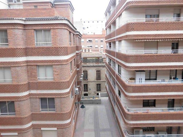 Increíble piso en venta con calefacción de gasóleo en zona Centro-vistas 2