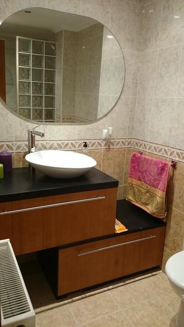 Magnifico piso con preciosa carpintería en Zona Centro-banyo