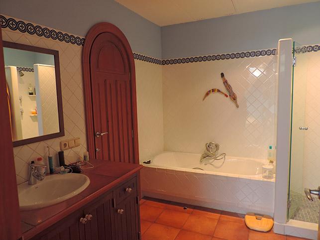 Maravilloso-duplex-de-6-habitaciones-en-Zona-Centro-bano1-1