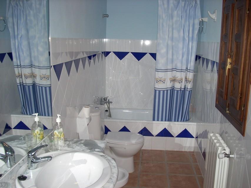 Masía-hotel-rural-en-venta-en-Bocairente-Aseo