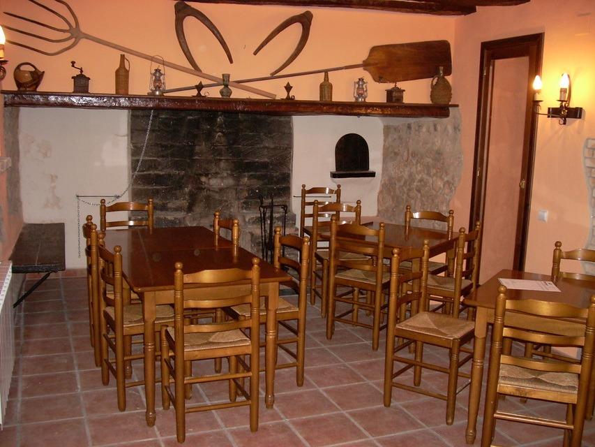 Masía-hotel-rural-en-venta-en-Bocairente-Bar-restaurante