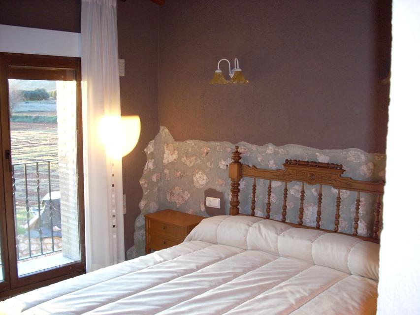 Masía-hotel-rural-en-venta-en-Bocairente-Dormitorio