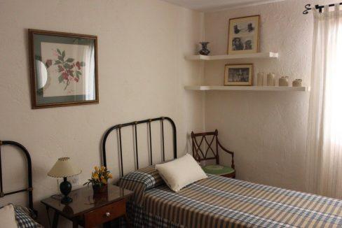 Masía-rústica-en-Estepar-dormitorio-3