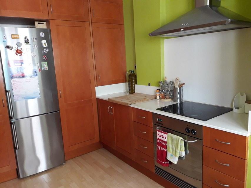 Moderna casa ya amueblada en Ensanche-cocina 2