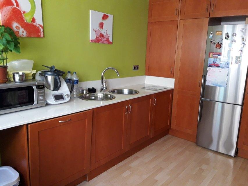 Moderna casa ya amueblada en Ensanche-cocina