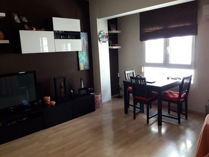 Moderna casa ya amueblada en Ensanche-salon 2