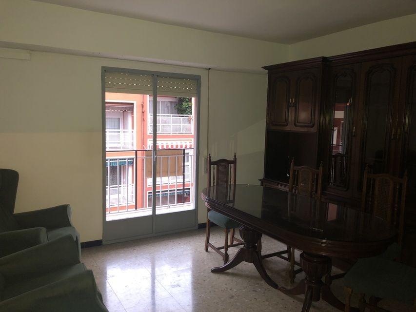 Piso-antiguo-y-acogedor-en-la-zona-de-Santa-Rosa-salon