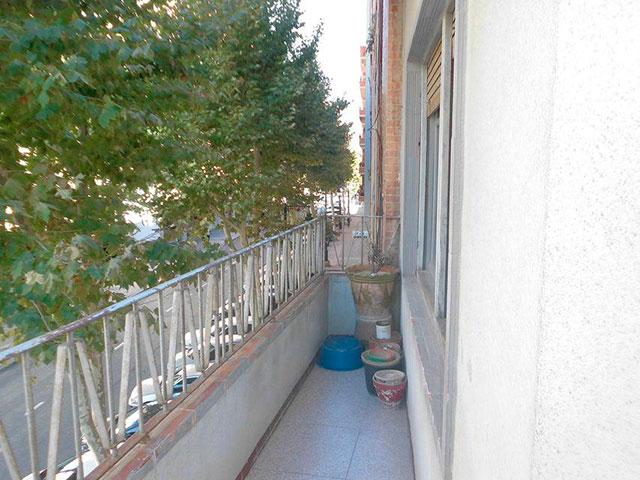 Piso con 4 habitaciones y balcón en Santa Rosa-balcon 2