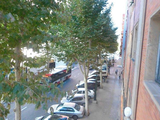 Piso con 4 habitaciones y balcón en Santa Rosa-vistas 3