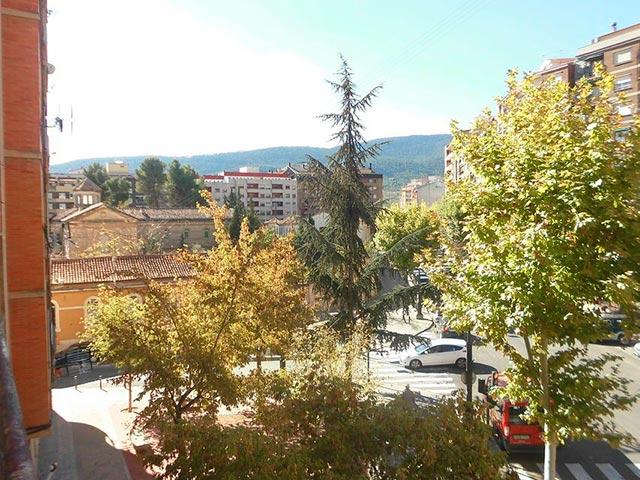 Piso con 4 habitaciones y balcón en Santa Rosa-vistas
