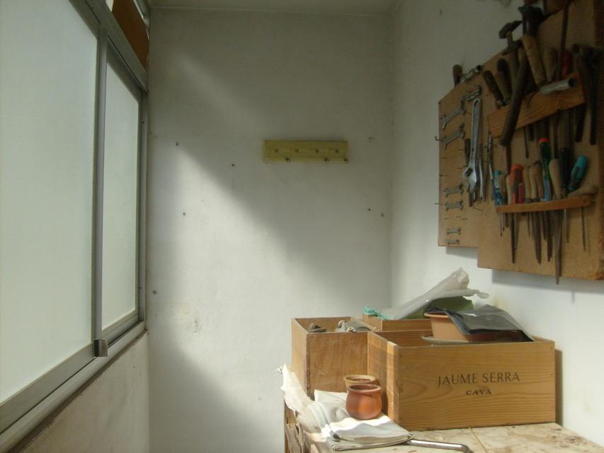 Piso con cocina con patio y galería en Santa Rosa-despacho