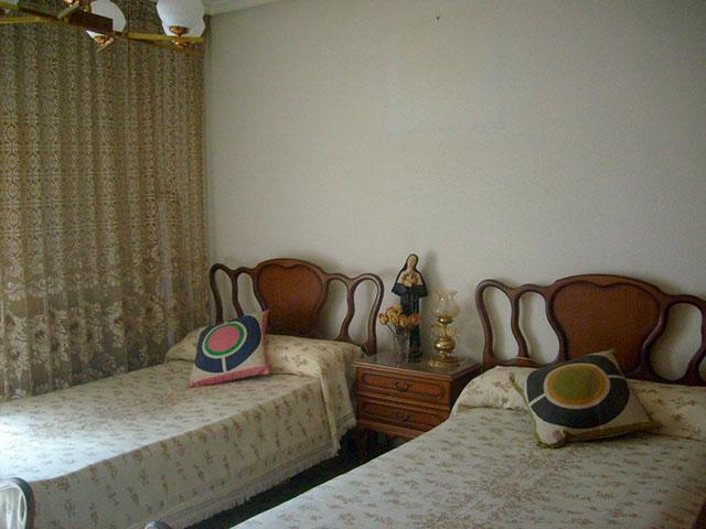 Piso con cocina con patio y galería en Santa Rosa-habitacion 2