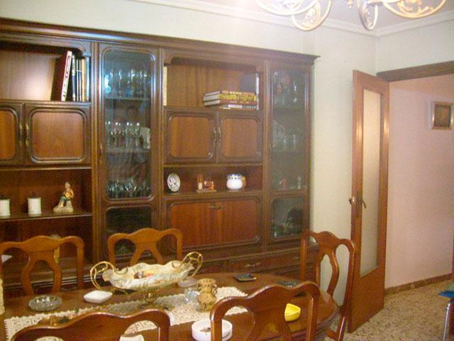 Piso con cocina con patio y galería en Santa Rosa-salon 2