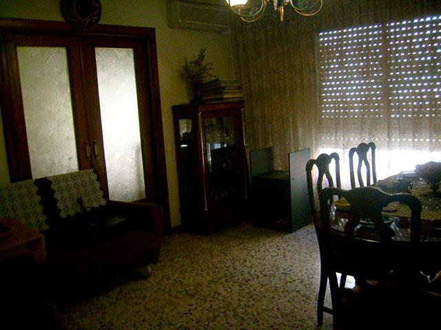 Piso con cocina con patio y galería en Santa Rosa-salon 3