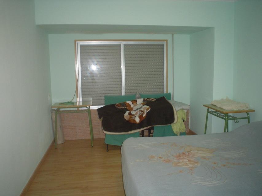 Piso con galería y balcón en venta en Santa Rosa-habitacion