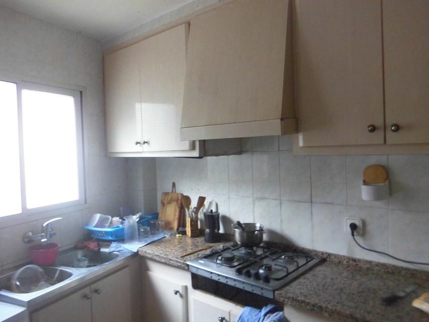 Piso-con-terraza-comunitaria-en-venta-en-la-zona-de-Santa-Rosa-cocina2