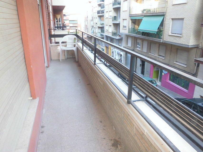 Piso-con-terraza-y-trastero-en-venta-en-la-zona-de-Santa-Rosa-balcon