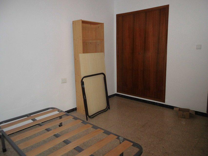 Piso-con-terraza-y-trastero-en-venta-en-la-zona-de-Santa-Rosa-habit3