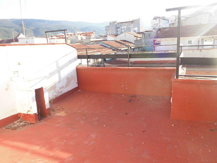 Piso-con-terraza-y-trastero-en-venta-en-la-zona-de-Santa-Rosa-patio