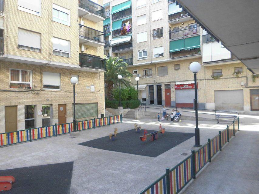 Piso-con-un-patio-bonito-en-la-zona-de-Santa-Rosa-vistas2