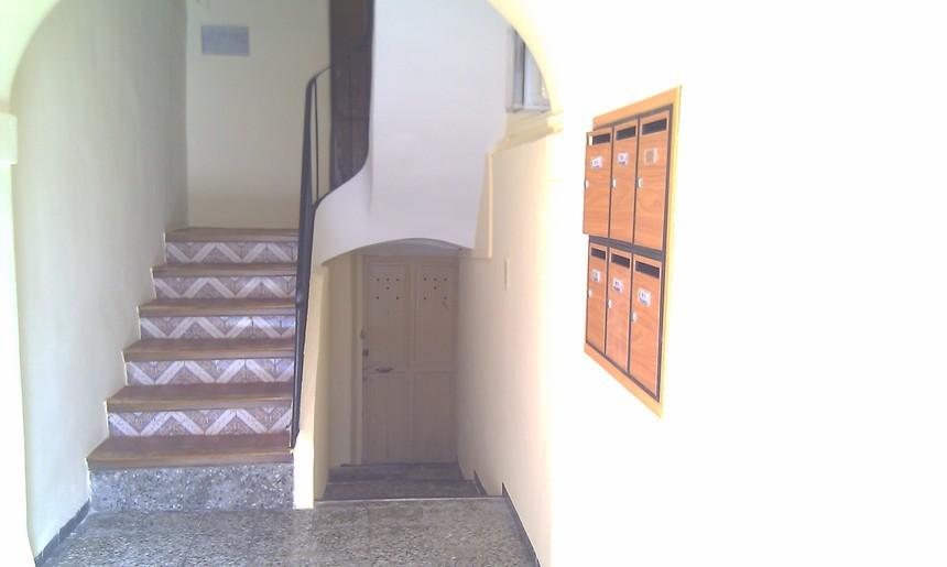 Piso en calle Céntrica muy luminoso en Alcoy-escalera
