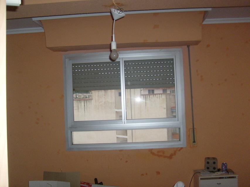 Piso-en-venta-con-2-balcones-y-galería-en-la-zona-de-Santa-Rosa-habitaicon3